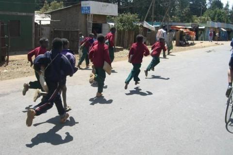 johns-ethiopian-boys-running2