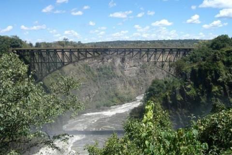 johns-zambizi-bridge
